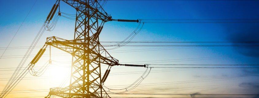 Hvordan fungerer jævnstrøm og vekselstrøm?